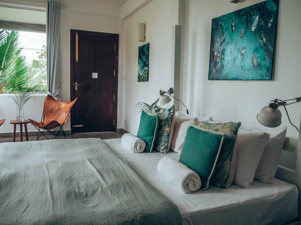 Ceylon Sliders Room Bed