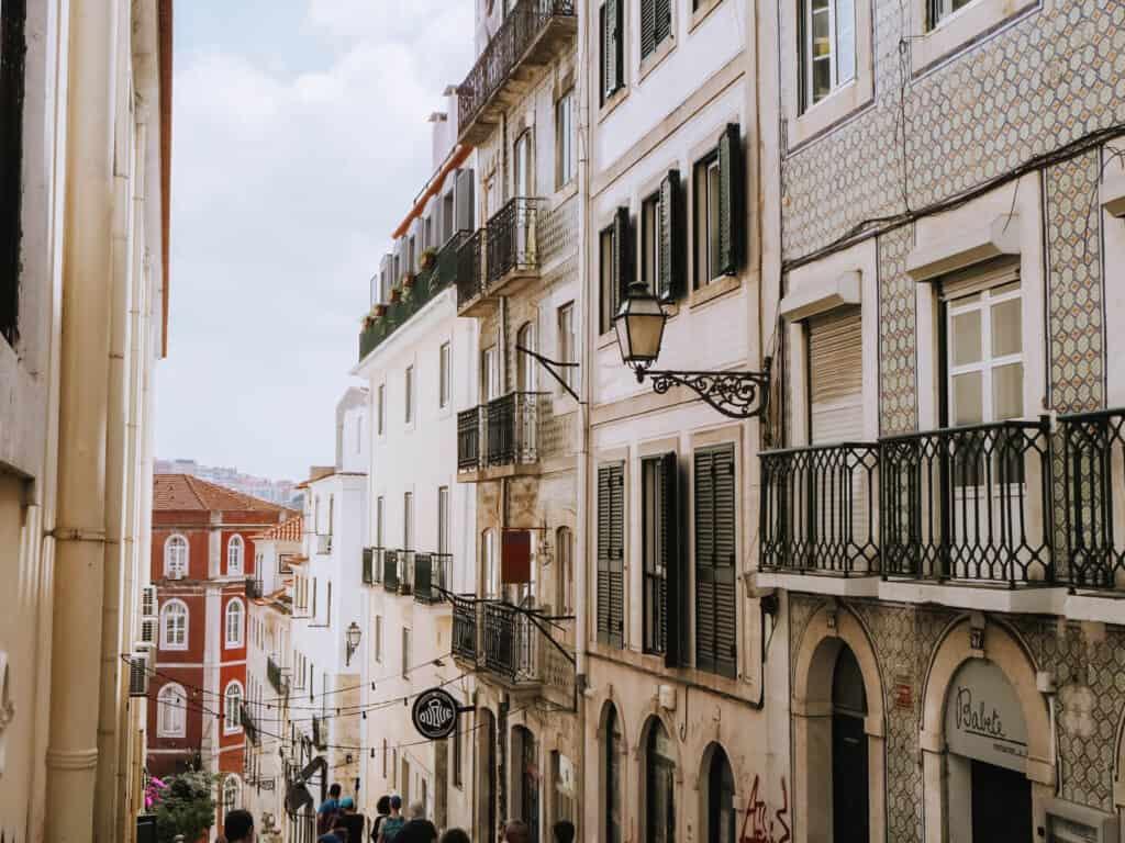 Lisbon Street House Line Tiles